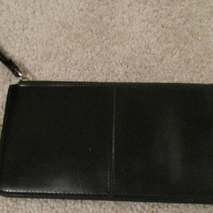 Black leather wristlet zipper compartments EUC 210